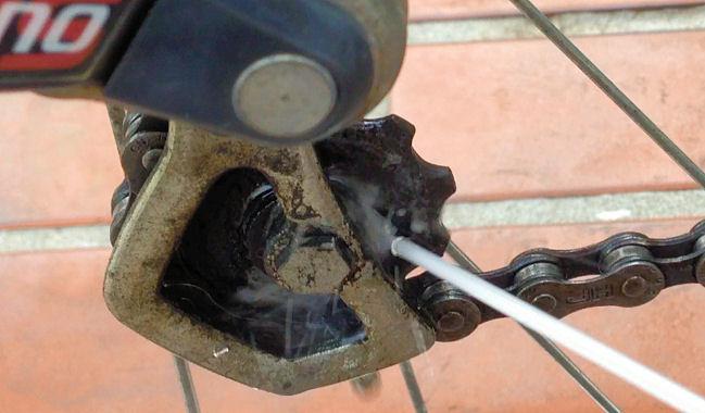 自転車の 自転車 洗浄 : 自転車のチェーンを洗浄して ...